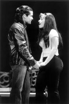 Selena Perez singing to her husband Chris Perez ♥ so romantic!