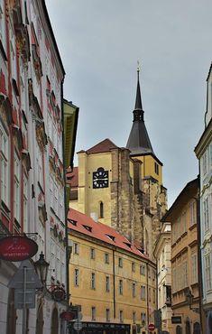 Prague, Louvre, Building, Travel, Voyage, Buildings, Viajes, Traveling, Trips