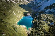 Die 51 schönsten Ausflugstipps für einen Ausflug in der Schweiz. Schöne Wanderungen, Bergseen, hübsche Städtchen & Wasserfällt in allen Teilen der Schweiz! 1 Day Trip, T5, Travel Europe, Cozy House, Lakes, Switzerland, Places To Travel, Travel Inspiration, Travelling