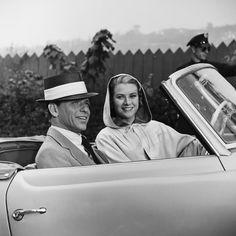 Frank Sinatra & Grace Kelly. Photographer: Elliott Erwitt.