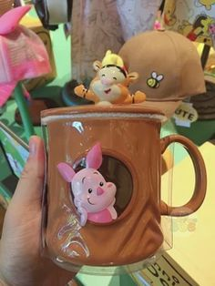 New & Exclusive SHDL -Super Cute Winnie the Pooh & Friends Collection is released at Shanghai Disneyland Today! Cute Winnie The Pooh, Winne The Pooh, Winnie The Pooh Friends, Cute Wallpaper Backgrounds, Cute Wallpapers, Disneyland Vacation, Disneyland Today, Disney Cups, Disney Rooms