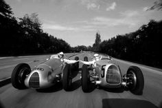 Fist bumps in vintage Auto Union racing cars. Classic Motors, Classic Cars, Grand Prix, Automobile, Lancia Delta, Vintage Race Car, Vintage Auto, Courses, Le Mans