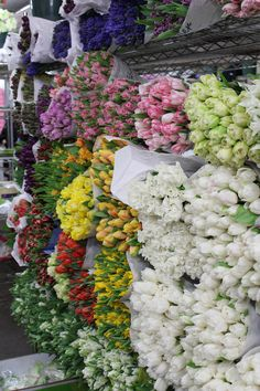 I cannot wait to experience the Chelsea Flower Market between 6th and 7th Avenues.