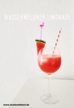 Marlene Vintage Caravan Bar for hire Munich Wassermelonen Limonade ist super erfrischend und easypeasy gemixed!  Für 2 Gläser: 250 g Wassermelonenfruchtfleisch würfeln und mit dem Saft von 1 Zitrone und einigen Eiswürfeln im Mixer fein zerkleinern. Mit 150 ml Tonic Water aufgießen. Zum Servieren einige Eiswürfel in die Gläser. Fertig!   #watermelon #lemonade #homemade #vigincocktail #caravanbar