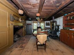 The property 231 Middle Rd, Deerfield, NH 03037 is currently not for sale on Zillow. View details, sales history and Zestimate data for this property on Zillow. Circa Houses, Primitive Homes, Primitive Country, Primitive Decor, Fireplace Hearth, Fireplaces, Colonial Kitchen, Historic Homes, Old Houses