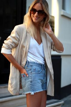 Love this relaxed look | via Channeling Contessa