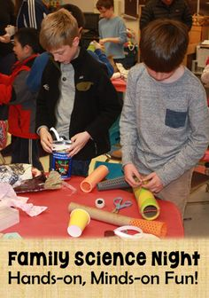 Family Science Night: Hands-on, Minds-on Fun! Learn how to organize and host a family science night 4th Grade Science, Preschool Science, Elementary Science, Middle School Science, Science Classroom, Science Fair, Science Lessons, Teaching Science, Science Education