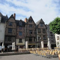 The most famous place in #Tours: Place Plumereau, with lots of bars and restaurants.