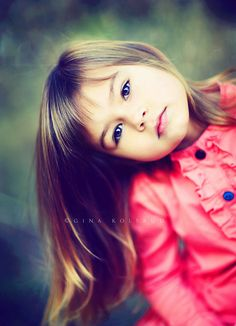 kids poses - head tilt - directly looking into the camera (camera at same level as kid) - playing with hair Image Photography, Girl Photography, Children Photography, Kid Poses, Foto Pose, Jolie Photo, Picture Poses, Beautiful Children, Cute Kids