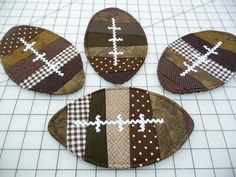 SET OF 4 These fun football mug rugs/coasters will be a winner on game day! The photo represents a sampling of fabrics, and your mug rugs, Más Quilted Coasters, Fabric Coasters, Felt Coasters, Table Runner And Placemats, Quilted Table Runners, Mug Rug Patterns, Quilt Patterns, Canvas Patterns, Small Quilts
