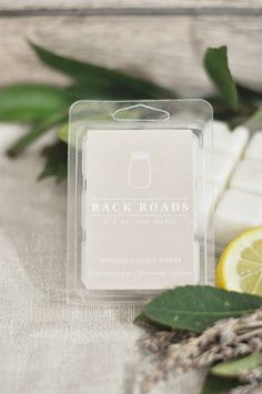 Modern Farmhouse Home Decor - Beautiful Homemade Scented Soy Candle - Back Roads Wax Melts