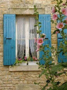 Lovely blue shutters and delicate white curtains ❤️