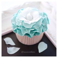 Rose petals cupcake...For tutorials and more follow my Instagram account @sosweetbites