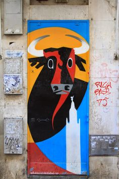 TravelMarx: Seville – Bull on a Box
