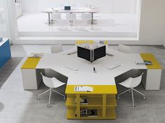 Picture of Shi executive office system 4 places, task tables