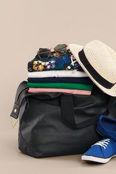 Style essentials for any destination at HM! Clothing Photography, Still Life Photography, Fashion Photography, Product Photography, Mens Essentials, Fashion Essentials, Style Essentials, Teen Boy Fashion, Mens Fashion