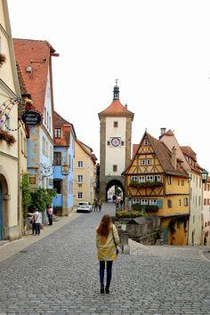 Vintage life en Vogue - Fashion Blog - Rothenburg ob der Tauber - historical city - Bavaria - Zara coat - cut out boots
