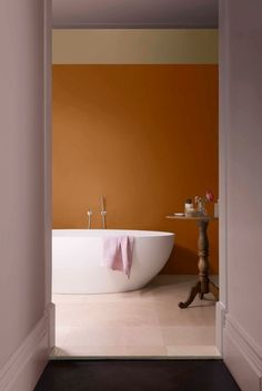 Dulux Colour Futures identifies one hero paint colour that is relevant in homes around the world. This year's colour is Heart Wood, a beautiful warm pink chosen by the colour specialists at Dulux Global Aesthetic Centre. Best Interior Design Blogs, Best Interior Paint, Interior Paint Colors, Paint Colours, Interior Doors, Interior Painting, Yellow Bathroom Paint, Bathroom Colors, Bathroom Wall