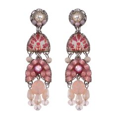 Ayala Bar Gogi Pearls Champagne Earrings, part of our full line of Ayala Bar jewelry and the Ayala Bar Spring 2020 collection. Jewelry Trends, Jewelry Accessories, Glasses For Your Face Shape, Ayala Bar, Artist Card, Bar Gifts, Celebrity Jewelry, Bar Earrings, Jewellery Display