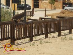 Vallado de madera tratada ideal para exteriores
