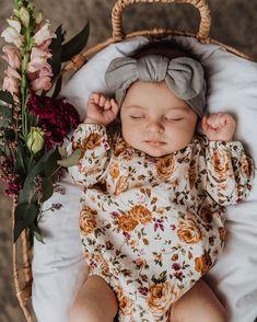 Cute Kids, Cute Babies, Baby Girl Newborn, Newborn Baby Ideas, Newborn Girl Photos, Newborn Girl Outfits, Cute Baby Girl Outfits, My Baby Girl, Baby Girl Fashion