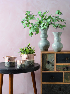 Our trend partners Colour Hive are looking ahead to 2020 to forecast and track trends in colours, material and finish for the design industry. Autumn Fair, Peach Jelly, Vases Decor, Surface Pattern, Color Trends, Ss, Spring Summer, Colours, Interior Design
