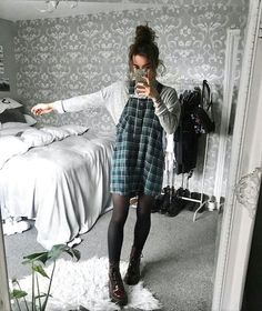 14 luxurious & unique outfits for this fall season fashion and outfit trends Grunge Outfits Fall Fashion luxurious outfit Outfits season Trends Unique Edgy Outfits, Unique Outfits, Mode Outfits, Grunge Outfits, Grunge Fashion, Fashion Outfits, 90s Fashion, Vintage Outfits, Mode Grunge