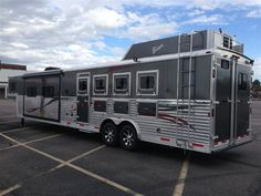 Barrel Horse World - Horse Trailers for Sale