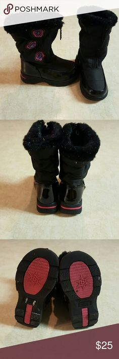Totes Toddler Girl's Winter Boots These adorable little girl's boots are like new condition, only worn twice!! They are shiny black with cute pink and purple flower decorations!!! They have zip up front and sparkly fur inside! They are size Toddler 7M! Keep your baby girl warm this winter;) Totes Shoes Rain & Snow Boots