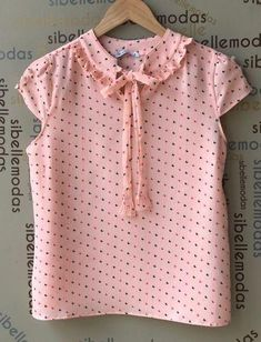 cute date outfits Cute Date Outfits, Kids Outfits, Dress Neck Designs, Blouse Designs, Cute Blouses, Blouses For Women, Creation Couture, Beautiful Blouses, Short Tops