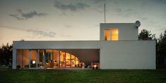 OUTrial House | Photo Credit: Juliusz Sokołowski, Courtesy of Robert Konieczny - KWK Promes