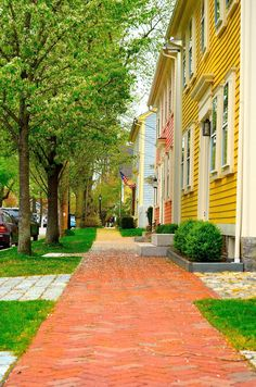 It's spring time, so that means Rhode Island's summer destinations are beginning to bloom. One of the greatest places in RI to visit, especially in the spring and summer, is Historic Wickford Village.