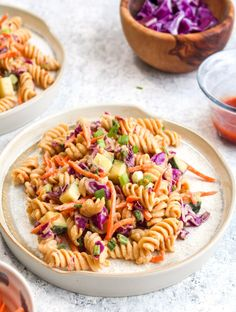 Protein Packed Thai Pasta Salad 💪🏻 is currently my dream meal! It looks like pasta. It tastes like pasta. But it has over 18 grams of protein per serving! And it's all tied together with a sweet and salty peanut sauce dressing 👏🏻 Pasta Carbonara, Vegetarian Recipes, Cooking Recipes, Healthy Recipes, Simple Recipes, Unique Recipes, Healthy Food, Healthy Eating, Salsa Thai