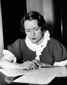 Margaret Mitchell, author of 'Gone with The Wind'. The bestselling novel was published in 1936 and went on to win the Pulitzer Prize and the National Book Award. Margaret Mitchell, Charles Whitman, Lady In My Life, Little Library, National Book Award, Writers Write, Portraits, Gone With The Wind, Playwright