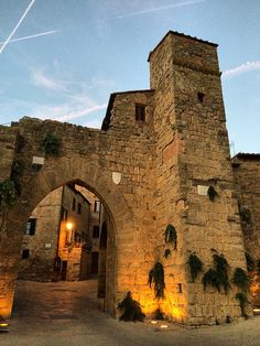 Ancient Walled Village of Monticchiello, Toscana Italy   #TuscanyAgriturismoGiratola