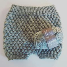 Bloomers i sømandsstrik til Solveig 1 år Knitting For Kids, Knitting Projects, Baby Knitting, Crochet Baby, Crochet Projects, Knit Crochet, Knitting Patterns, Baby Bloomers, Diaper Covers