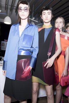 christopher kane spring/summer 16 glows in space age neon | look | i-D