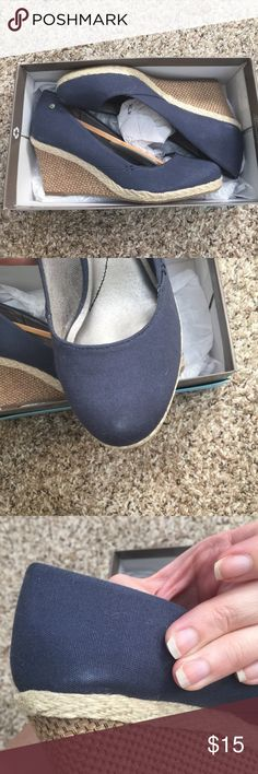 Lifestride navy canvas espadrille wedge 7.5 New with defects. I ordered these from Zappos and they came with wear marks on one toe and side (see photos). Otherwise they are in perfect condition. Will ship with the box. Lifestride Shoes Espadrilles