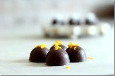 Cioccolatini ripieni all'arancia