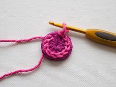 Quick Tip: Make a Set of Cool Crochet Buttons | Crafttuts+ ༺✿ƬⱤღ  https://www.pinterest.com/teretegui/✿༻