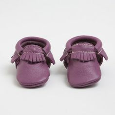 Enter by 1/13 to win a pair of Freshly Picked moccasins in your choice of color! (available in infant/toddler sizes 1-10)