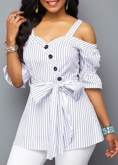 Women Blouse Designs, Women Blouses And Tops, Formal Blouses For Women Stylish Tops For Girls, Trendy Tops For Women, Blouses For Women, Blouse Styles, Blouse Designs, Look Fashion, Trendy Fashion, Fashion Women, Fashion Trends
