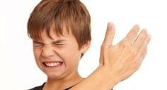 """Aunque dicen que una buena """"nalgada"""" funciona como correctivo, aquí te decimos por qué nunca debes pegarle a un niño."""