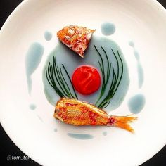 """By @tom_tomahawk """"Red mullet / red cabbage ginger infusion..."""" #foodphotography…"""