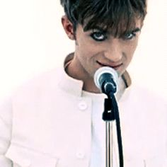Damon Albarn-mm hm...