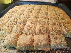 Είναι από τα ωραιότερα και νοστιμότερα τυροπιτάκια που έχω κάνει ,,,, δεν έχουν αυγά και τα φουντούκια, τα σποράκια με το σου... Greek Recipes, Pie Recipes, Dessert Recipes, Cooking Recipes, Desserts, Greek Sweets, Cheese Pies, Almond Cookies, Food And Drink