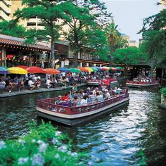 San Antonio, Texas ~ the Riverwalk is a great place to shop, relax, eat, and take a ride ~ fun, fun, fun!