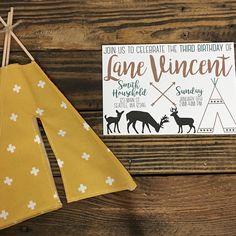 Teepees & deer! Perfect for any outdoor loving boy's birthday!   Invitation: @chasingprints Mini teepee/nook: @katahdin_nooks