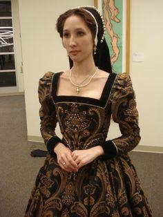 haute couture fashion Archives - Best Fashion Tips Mode Renaissance, Costume Renaissance, Elizabethan Costume, Elizabethan Fashion, Tudor Fashion, Renaissance Clothing, Renaissance Fashion, Historical Clothing, Historical Photos