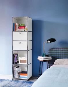 USM Haller shelf white for your #bedroom. #Interior #Interiordesign #homedesign #homefurniture #Furniture #designinterior #moderndesign #designlovers #modernfurniture #usmmodularfurniture #usmMakeItYours